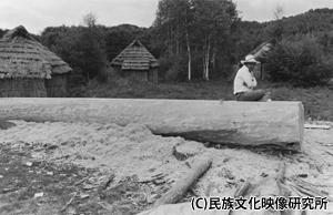 F011アイヌの丸木舟_ph004